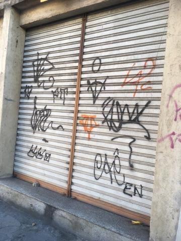 Vendo loja na Rua Pereira Nunes do lado dos Correios