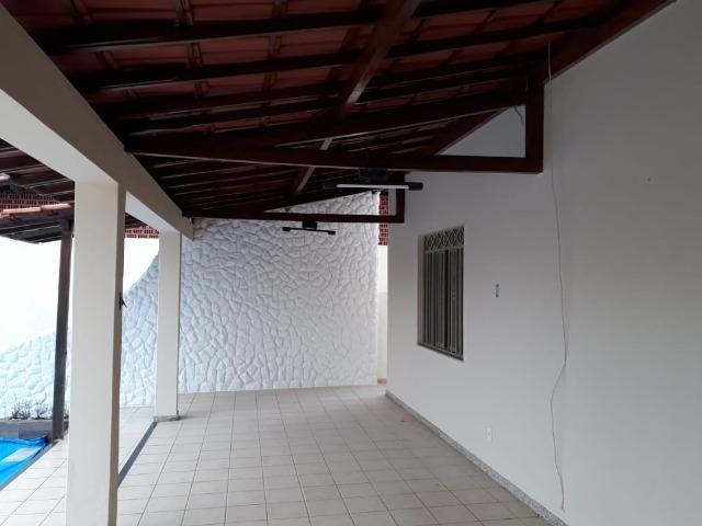 (R$600.000) Casa c/ Piscina, Terraço e Garagem Grande - Lote Inteiro no Bairro Vila Bretas - Foto 5