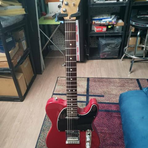 Fender American Standard Telecaster Crimson Red Transparent com Case - Foto 2