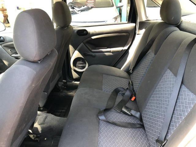 Fiesta Sedan 1.6 Flex 2005 (R$: 2.900,00 + 48 x 398,00) - Foto 11