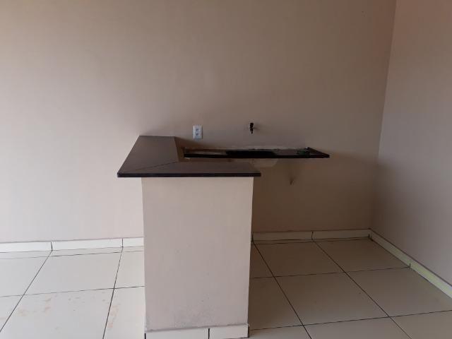 Casa nova, espaçosa com area de churrasqueira, 2quartos, 2 banheiros, lote de 400metros - Foto 5