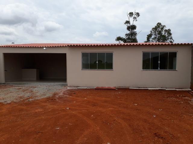 Casa nova, espaçosa com area de churrasqueira, 2quartos, 2 banheiros, lote de 400metros