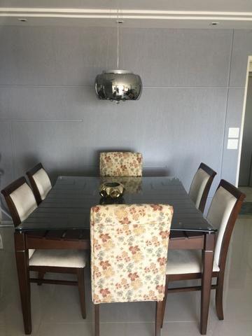Mesa de jantar em madeira de lei + 6 cadeiras excelente estado