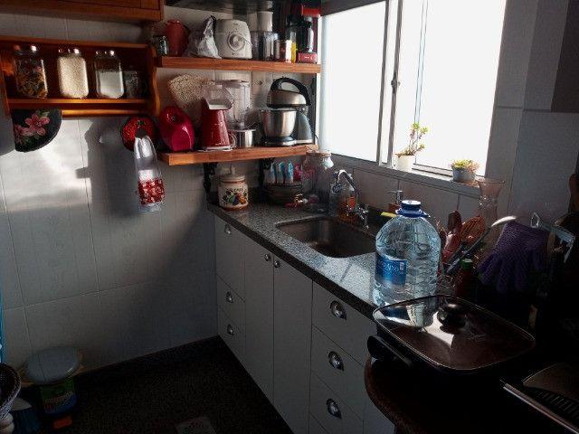 A228 - Apartamento funcional, aconchegante em ótimo local - Foto 4