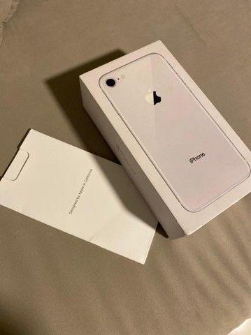 iPhone 8 64 gb semi-novo muito conservado - Foto 5