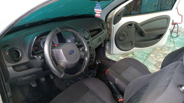 Vende-se um Ford Ka completo de tudo 2009 podendo ser financiado com entrada de 3.000 - Foto 4