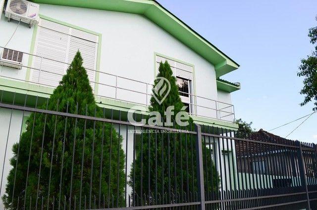 Ótima Casa com 4 dormitórios e Piscina.