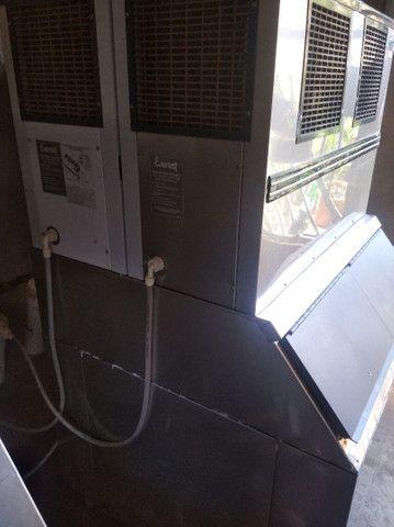 Vende-se duas máquinas de gelo - Foto 5