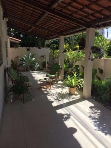Casa 375m2 no Brisamar. 3 Quartos sendo 1 suite, 2 vagas garagem, quintal