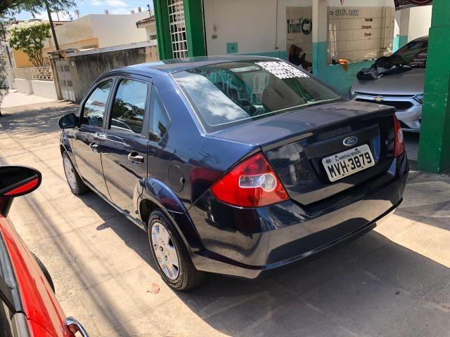 Fiesta Sedan 1.6 Flex 2005 (R$: 2.900,00 + 48 x 398,00) - Foto 4