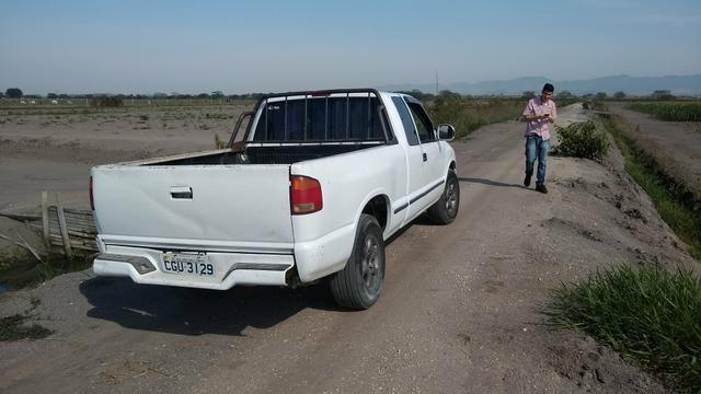 Vendo S10 1996 cabine extendida gasolina 2.2 - Foto 6