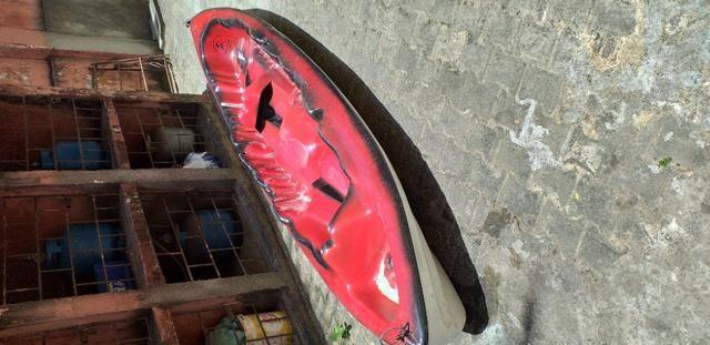 Caiaque duplo vermelho com um remo - Foto 4