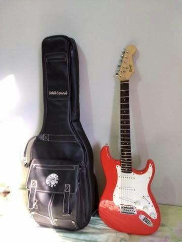 Guitarra Squier + Capa + Amplificador - Foto 3