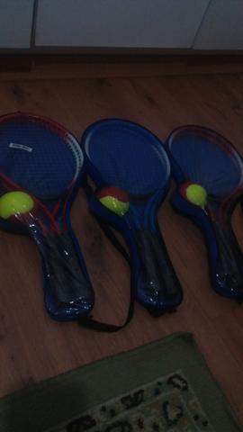 Kit para jogar tênis com rede, raquetes, é bolas - Foto 2