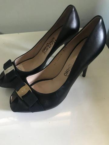 a0f9f4fa5ccfc Scarpin peep toe Salvatore Ferragamo - Roupas e calçados - Engenho ...