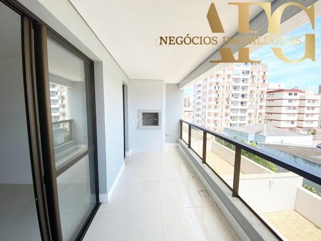 Apartamento à Venda no bairro Balneário em Florianópolis/SC - 3 Dormitórios, 2 Suítes, 3 B - Foto 2