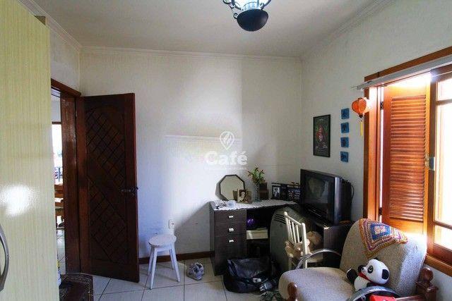 Casa à venda com 3 dormitórios 3 banheiros 2 vagas de garagem e amplo pátio. - Foto 12