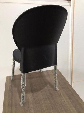 Cadeira zero km barbada acento e encosto em poliuretano - Foto 2