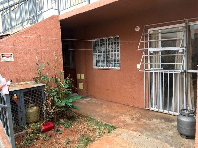 Apartamento para venda tem 90 metros quadrados com 2 quartos uma vaga