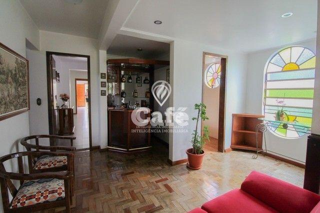 Casa de esquina para Venda, Bairro Camobi, 4 dormitórios. - Foto 17