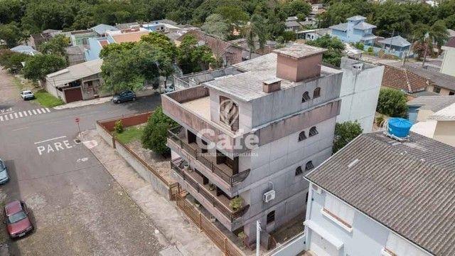 Prédio/Casa Residencial, 4 dormitórios, Bairro Menino Jesus, pátio - Foto 3