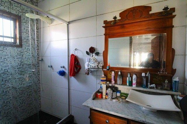 Casa à venda com 3 dormitórios 3 banheiros 2 vagas de garagem e amplo pátio. - Foto 15