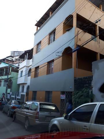 Apartamento amarelo proximo padaria Pão Nosso