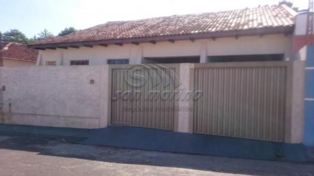 Casa à venda com 4 dormitórios em Barreiro, Jaboticabal cod:V36