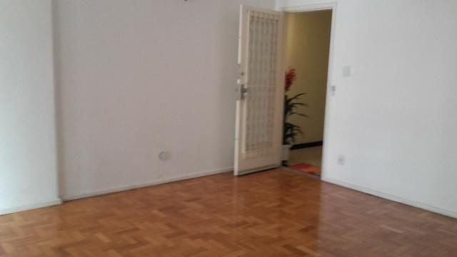 Flamengo,2 quartos na M.de Paraná, junto ao Metro aceitamos depósito