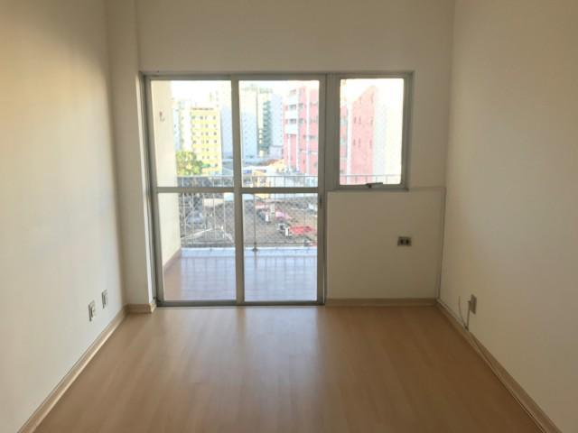 Apartamento - MEIER - R$ 1.300,00