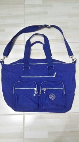 Vendo bolsa bem espaçosa várias divisórias ótima para o dia a dia r$ 80 - Foto 2