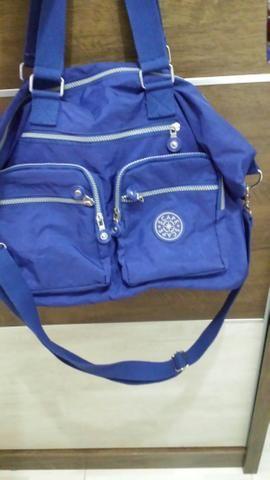 Vendo bolsa bem espaçosa várias divisórias ótima para o dia a dia r$ 80 - Foto 4