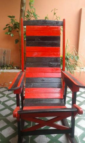 Cadeira de Balanço madeira nova