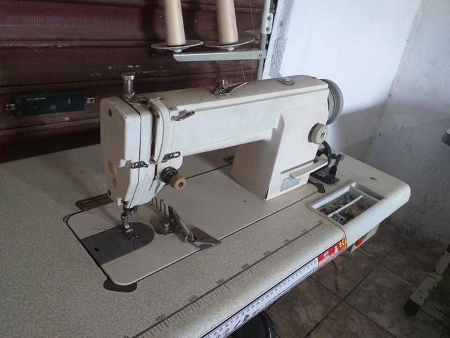 Maquinas de costura Reta é overlok ponto cadeia - Foto 3