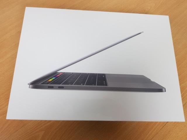 "MacBook Pro 2019 Touchbar 13"" 1.4Ghz 8Gb RAM - Space Gray - Novo, lacrado"