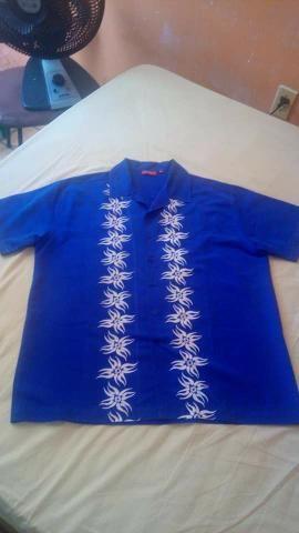Camisa Social Masculina azul turquesa com designer emborrachado manga curta