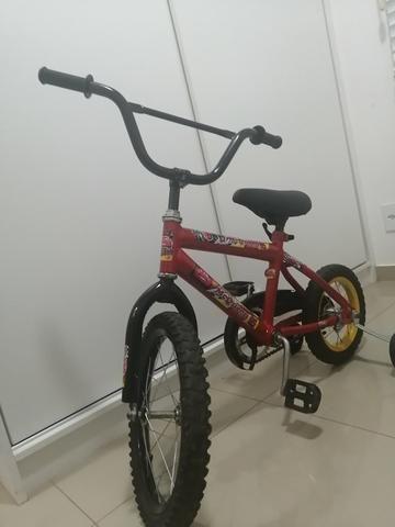 Bicicleta infantil em perfeito estado de conservação Freio pedal - Foto 3