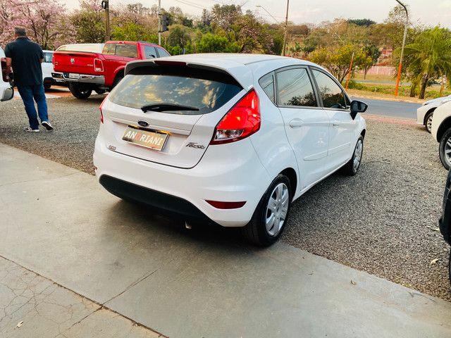 Fiesta 1.5 flex completo branco - Foto 6