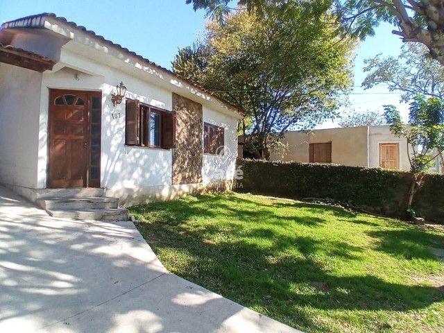 Ótima oportunidade, casa 3 dormitórios ampla garagem em bairro tranquilo!