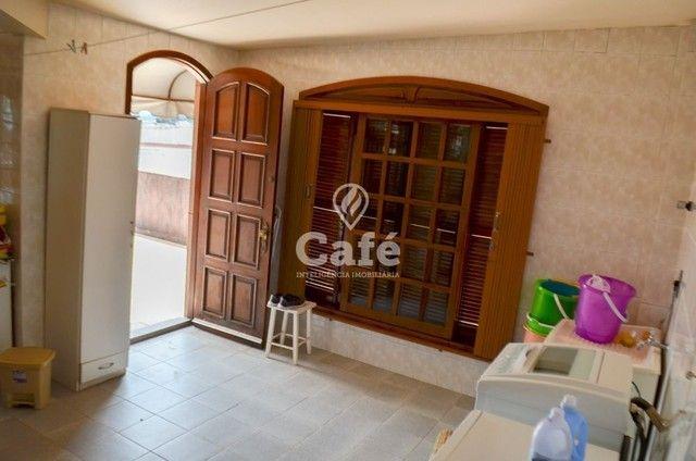 Prédio/Casa Residencial, 4 dormitórios, Bairro Menino Jesus, pátio - Foto 9