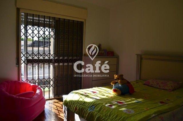 Ótima Casa com 4 dormitórios e Piscina. - Foto 12