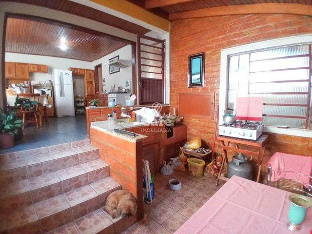 Ótima oportunidade, casa 3 dormitórios ampla garagem em bairro tranquilo! - Foto 6
