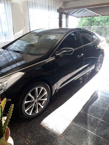 Venda de um automóvel Hyundai azera preto. - Foto 2