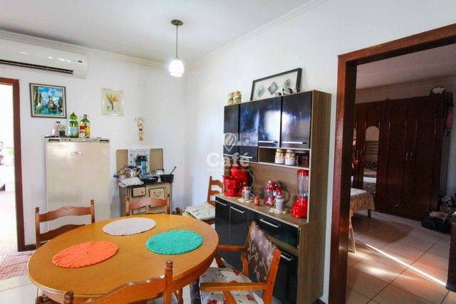 Casa à venda com 3 dormitórios 3 banheiros 2 vagas de garagem e amplo pátio. - Foto 20
