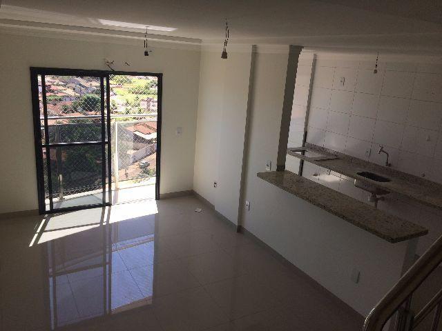 Apartamento de cobertura com 04 quartos, sendo 02 suíte na 706 Sul