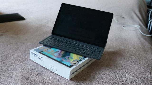 Tablet Samsung S5e 4g - Super novo - Com nota fiscal e teclado
