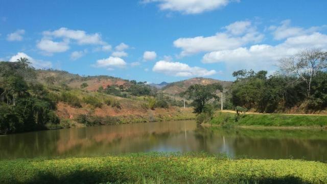 Areal/RJ - Terreno com vista para o lago em Condomínio