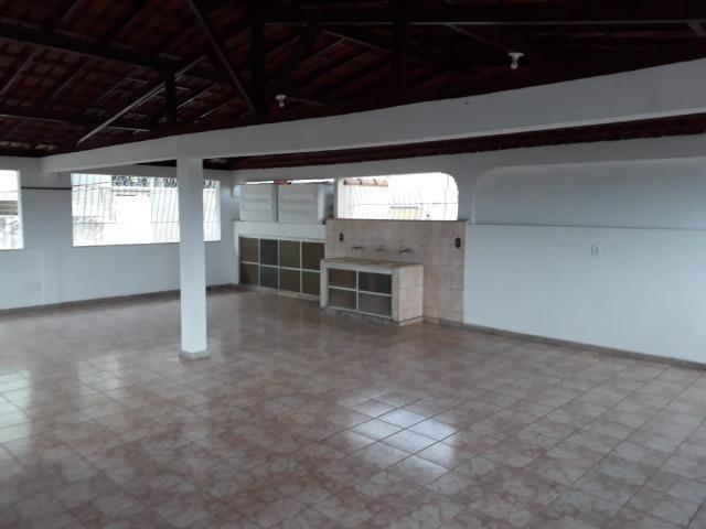 (R$600.000) Casa c/ Piscina, Terraço e Garagem Grande - Lote Inteiro no Bairro Vila Bretas - Foto 18