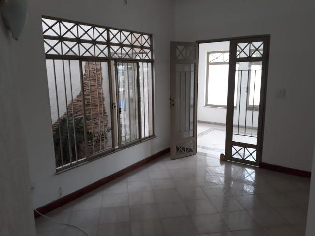 (R$600.000) Casa c/ Piscina, Terraço e Garagem Grande - Lote Inteiro no Bairro Vila Bretas - Foto 7