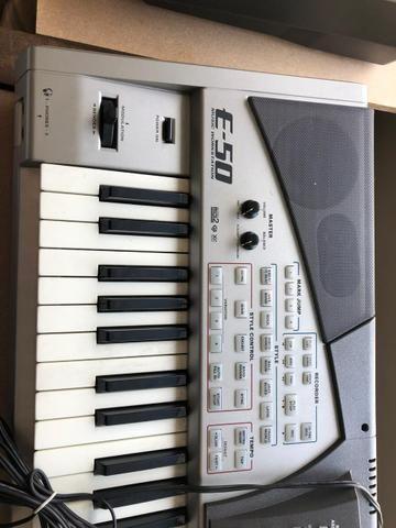 Teclado Roland E-50